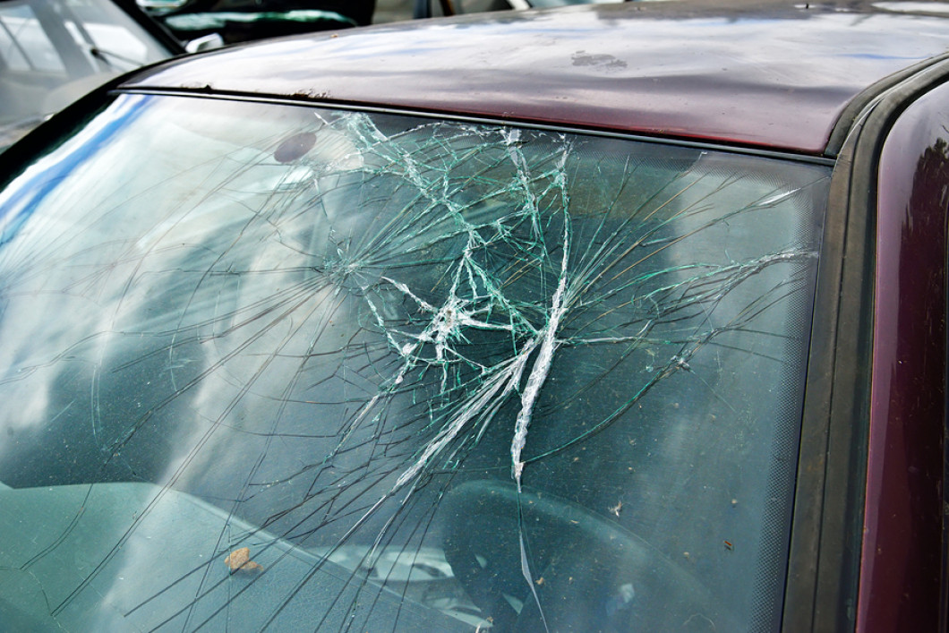 Windshield Replacement Quote Online Auto Glass Replacement  Black Hawk Auto Refinishers